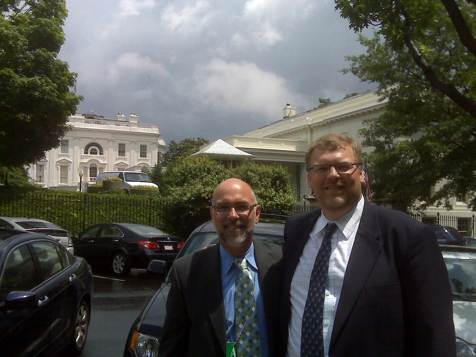 City Manager Ken Pulskamp and Mayor Frank Ferry outside the White House