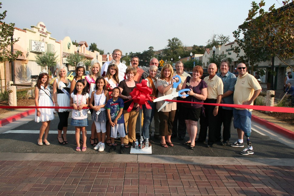 Mayor Frank Ferry, Mayor Pro Tem Laurene Weste and Councilmembers Marsha McLean and Laurie Ender were joined by members of the community at Thursdays ribbon cutting