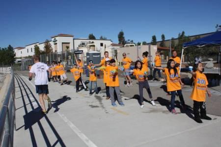 Santa Clarita Marathon Volunteers 2014 3