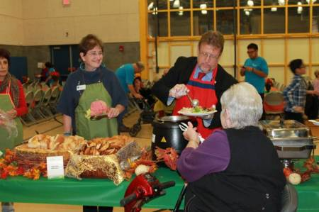Newhall Community Center Thanksgiving 2014 3