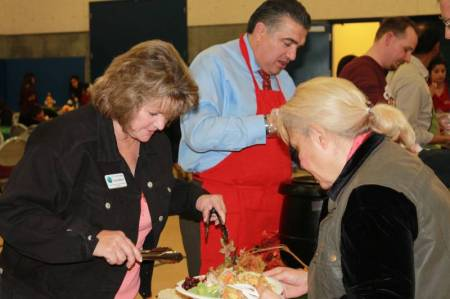Newhall Community Center Thanksgiving 2014 6