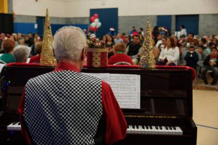 Newhall Community center Caroling 2014 1