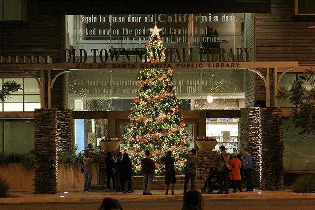 light up main street tree
