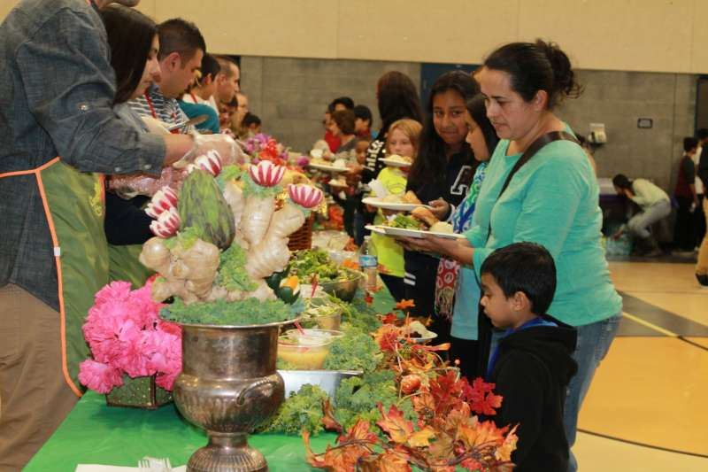 Newhall Community Center Thanksgiving 2015 4